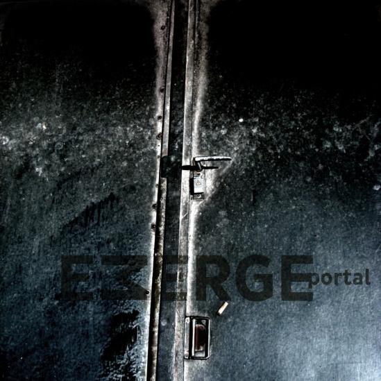 EMERGE-portal-front Kopie.JPG